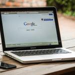 SEO optimalisatie van afbeeldingen macbook laptop browser google